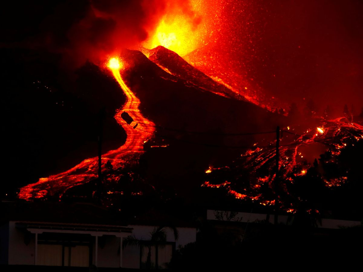 Foto: El Cumbre Vieja en plena erupción volcánica en La Palma. (Reuters)