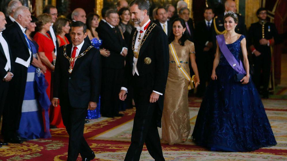 Foto: El Rey, junto al presidente de Perú, Ollanta Humala, en julio de 2015 durante la última visita de Estado recibida en España a causa del parón político. (EFE)