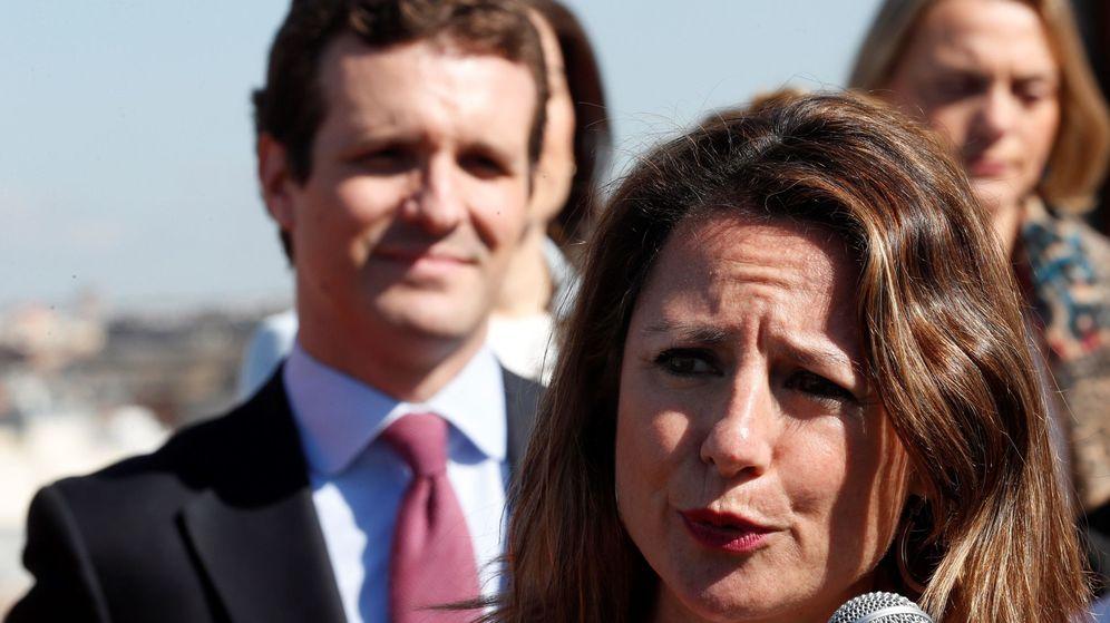 Foto: Pablo Casado, junto a la candidata a la alcaldía de Castellón y presidenta del PP de Castellón, Begoña Carrasco (Efe)