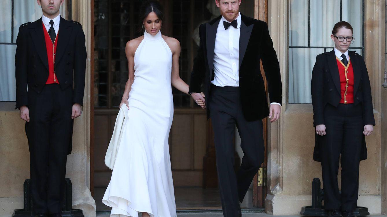 Uterqüe tiene un vestido PERFECTO inspirado en el de boda de Meghan Markle
