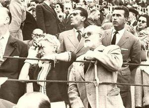 Foto: Hemingway en el duelo Dominguín- Ordóñez de La Malagueta