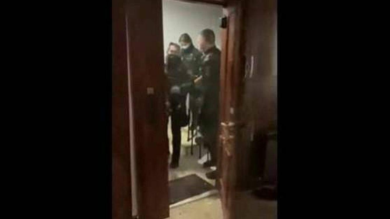 La Fiscalía pide procesar por allanamiento al jefe de los policías de la 'patada en puerta'
