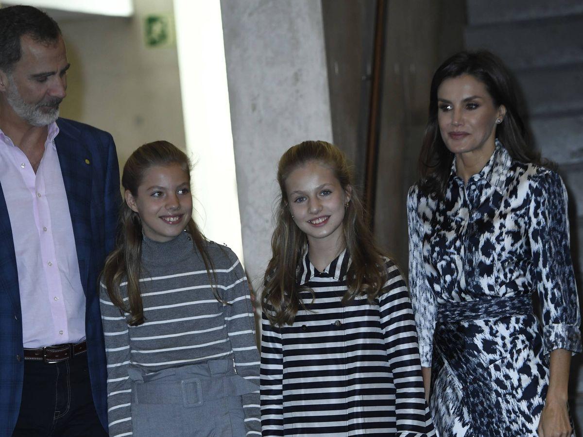 Foto: Leonor y Sofía, este martes en Barcelona. (Limited Pictures)