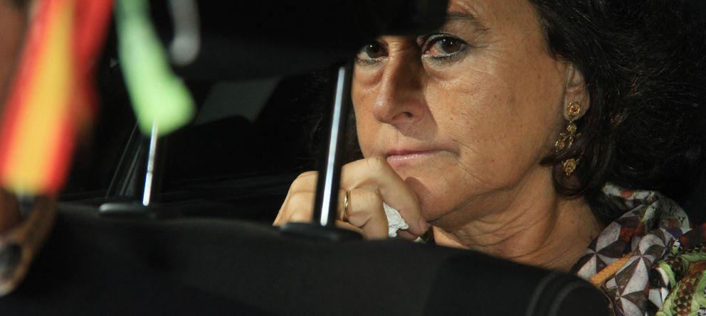 Foto: Carmen Tello, en una imagen tras el funeral de la duquesa de Alba en Sevilla (Gtres)