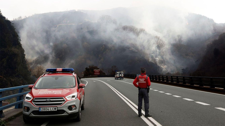 Estabilizado pero no controlado el incendio forestal originado en Bera (Navarra)