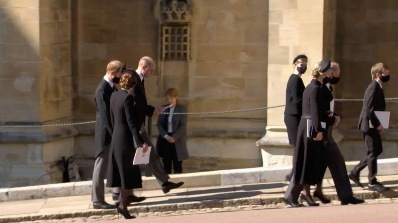 Guillermo, Harry y Kate, tras el funeral. (YouTube Casa Real británica)