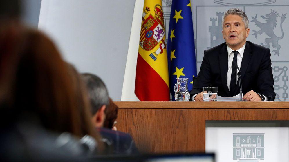 Foto: El ministro de Interior, Fernando Grande-Marlaska, en su comparecencia. (EFE)