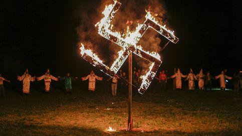 El Ku Klux Klan celebra la llegada de Trump: Nuestros miembros aumentan cada día