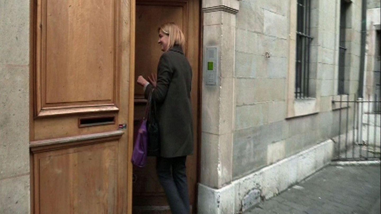 La infanta Cristina, a su llegada a su residencia en Ginebra. (EFE)