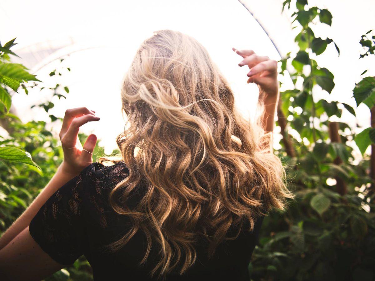 Foto: Una compra ideal para sanear el cabello sin salir de casa. (Tim Mossholder para Unsplash)