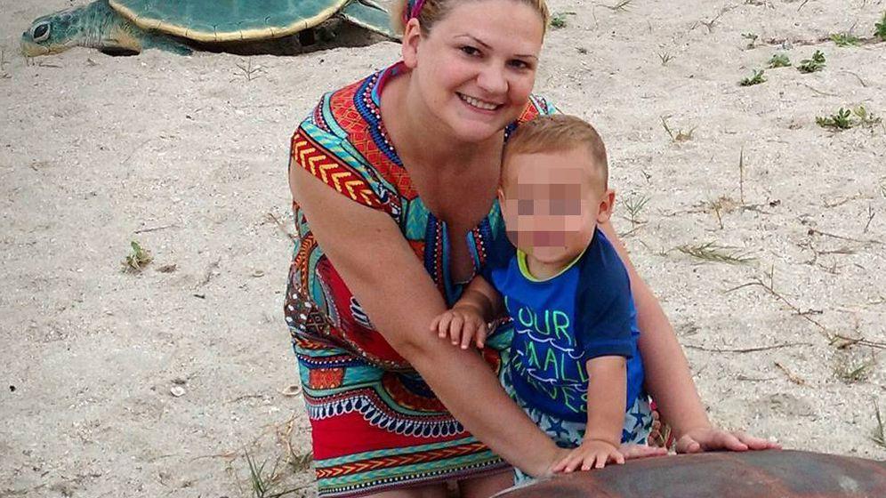 Foto: Pilar Garrido, la española desaparecida en México, junto a su hijo.