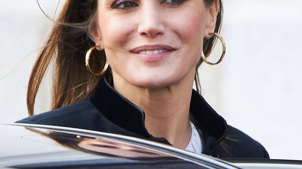 Foto: La reina Letizia a su salida del Teatro Real. (Limited Pictures)