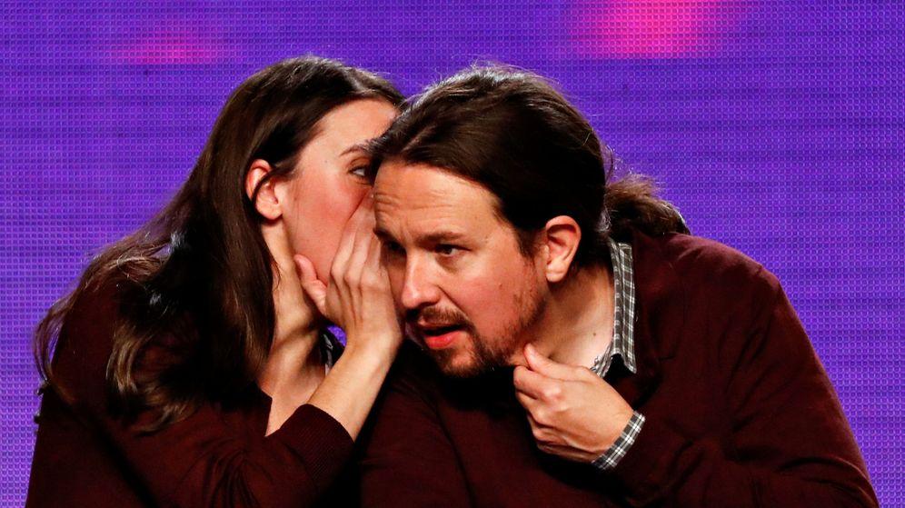 Foto: Irene Montero y Pablo Iglesias, en un mitin de Unidas Podemos. (Reuters)