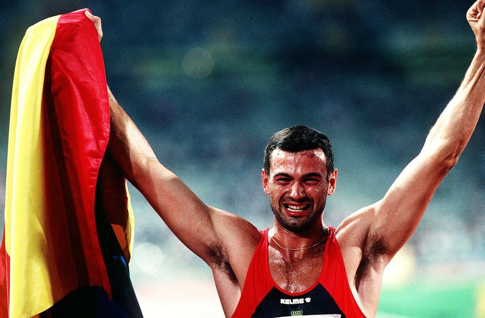 Foto: Antonio Peñalver, el día que ganó la plata en el decatlón de Barcelona'92 (Cordon Press).