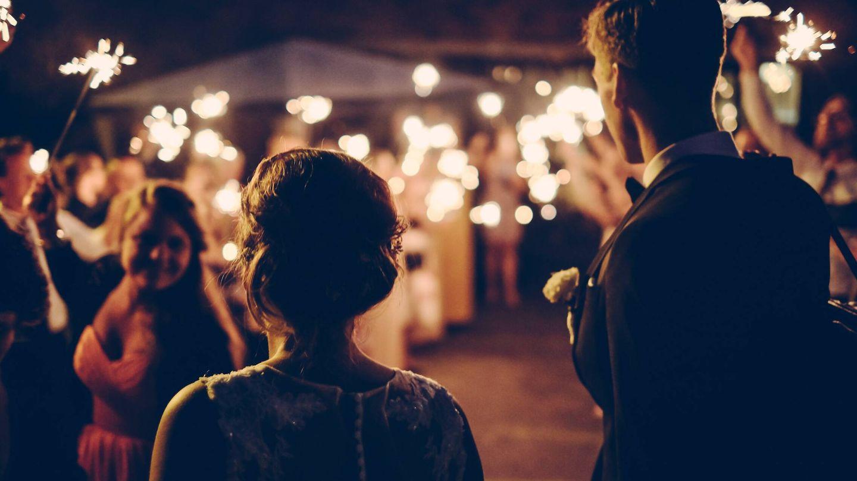 Ventajas de celebrar una boda en viernes. (Andreas Rønningen para Unsplash)