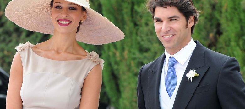 Foto: Eva González y Cayetano en la boda de Francisco Rivera el pasado mes de septiembre. (I.C.)