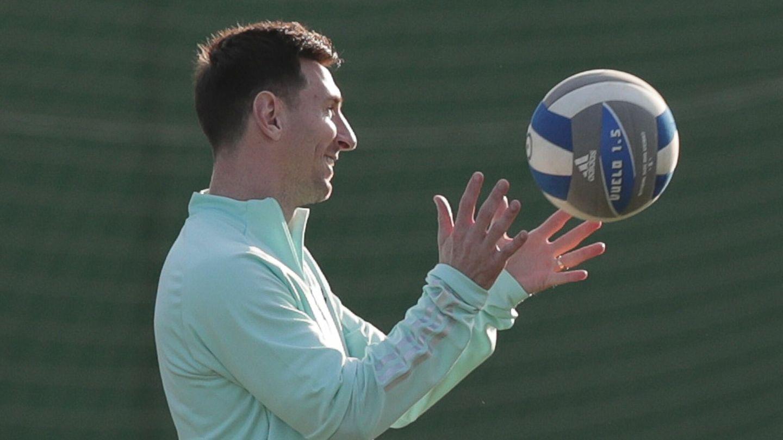 Messi, en un entrenamiento este viernes en el Centro del Fluminense. (EFE)