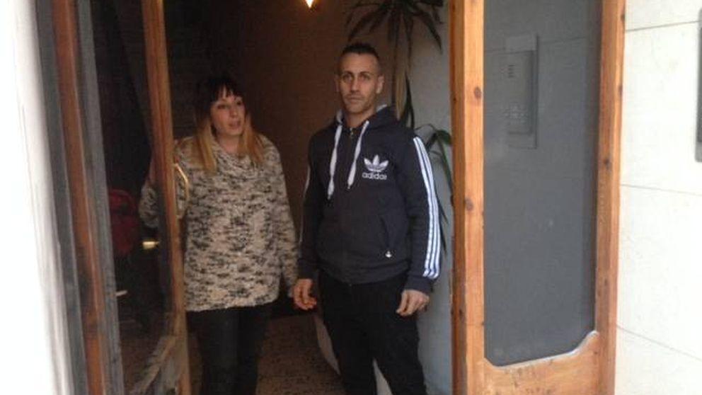 La familia atacada por tener una bandera española: Quieren echarnos del pueblo