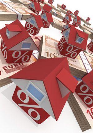 Las hipotecas constituídas sobre viviendas moderaron su caída en junio hasta el 10,8%