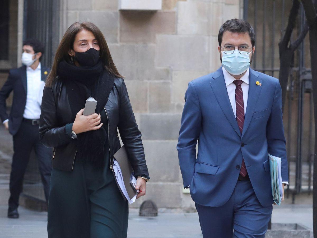 Foto: El vicepresidente de la Generalitat, Pere Aragonès, y la 'consellera' de Presidencia, Meritxell Budó. (EFE)