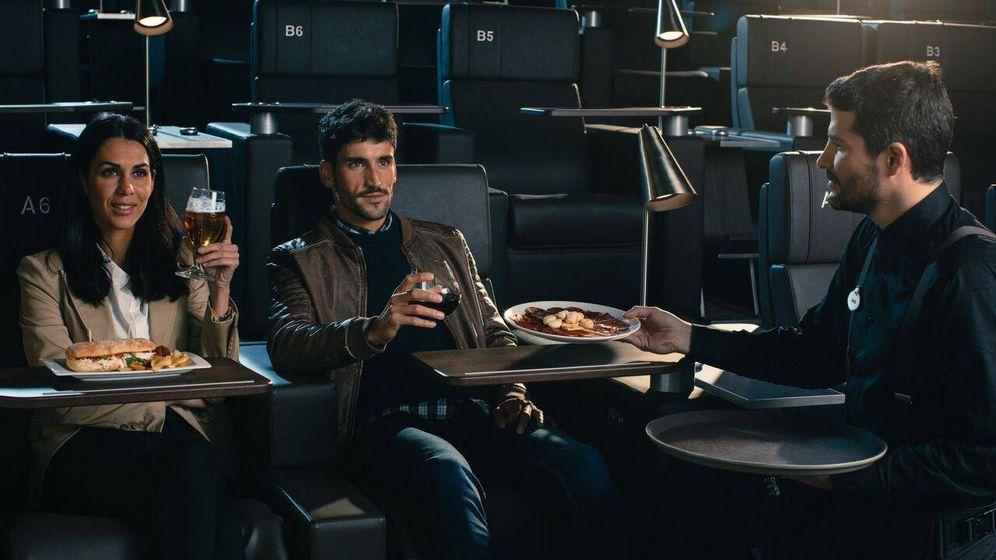 Foto: Algunas salas de España ya ofrecen servicio de comida en plena película (Yelmo)
