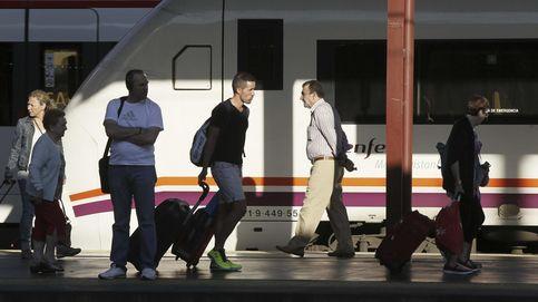 Los autobuses pierden el tren de Cercanías: Ábalos aparca la otra liberalización de Renfe