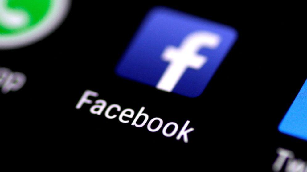 Foto: La aplicación de Facebook, en un teléfono móvil. Foto:REUTERS Thomas White File Photo
