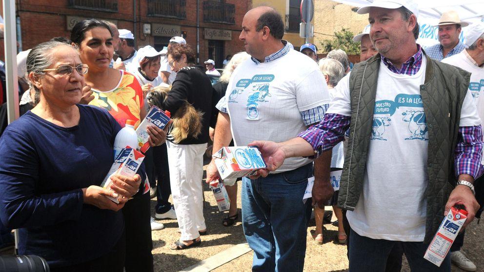 La ministra Tejerina tiende la mano a la 'Marcha Blanca' y abordará la crisis del lácteo