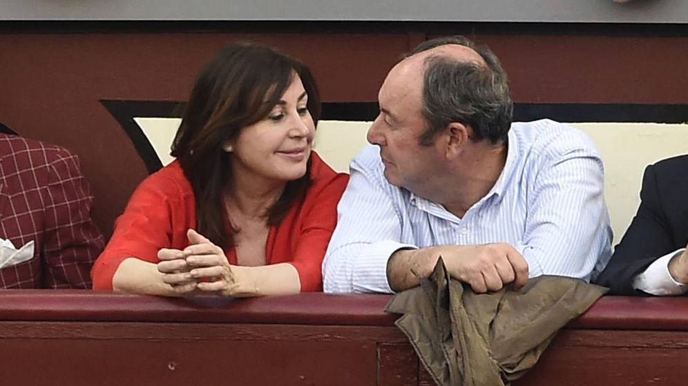 Foto: Carmen Martínez-Bordiú y Luis Miguel Rodríguez, en una imagen de archivo. (Gtres)