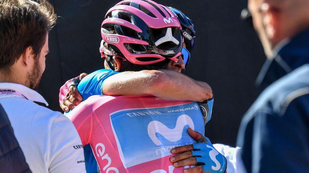 Foto: Mikel Landa y Carapaz, fundidos en este Giro de Italia. (EFE)