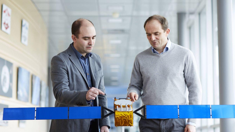 Foto: José Ángel Ávila (izquierda), junto al investigador con el que comparte la nominación, Laurent Lestarquit.