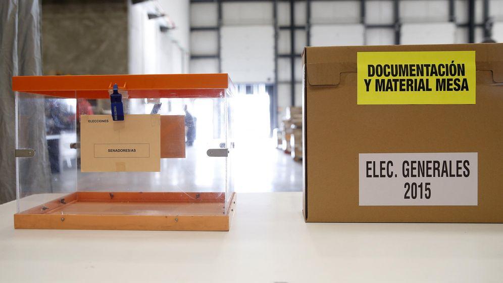 Foto: Urnas de las pasadas elecciones del 20-D. (EFE)