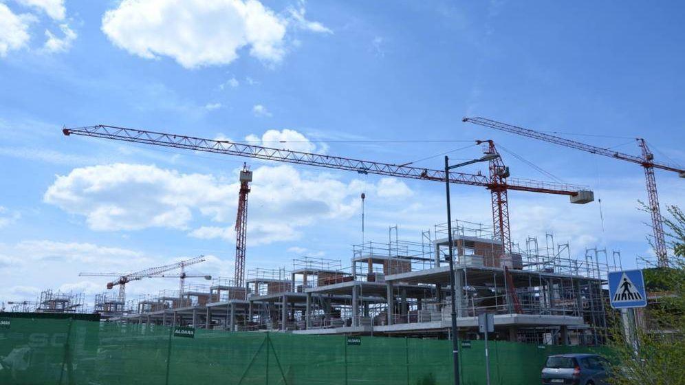 Foto: Más de 400 proyectos, 360 grúas y 12.000 pisos, las cifras de la construcción en Madrid. Foto: E.S.