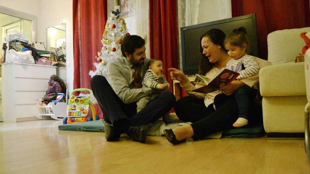 Foto: Natalia y Sergio son padres de dos hijos pequeños rondando los 40 (M. Z.)