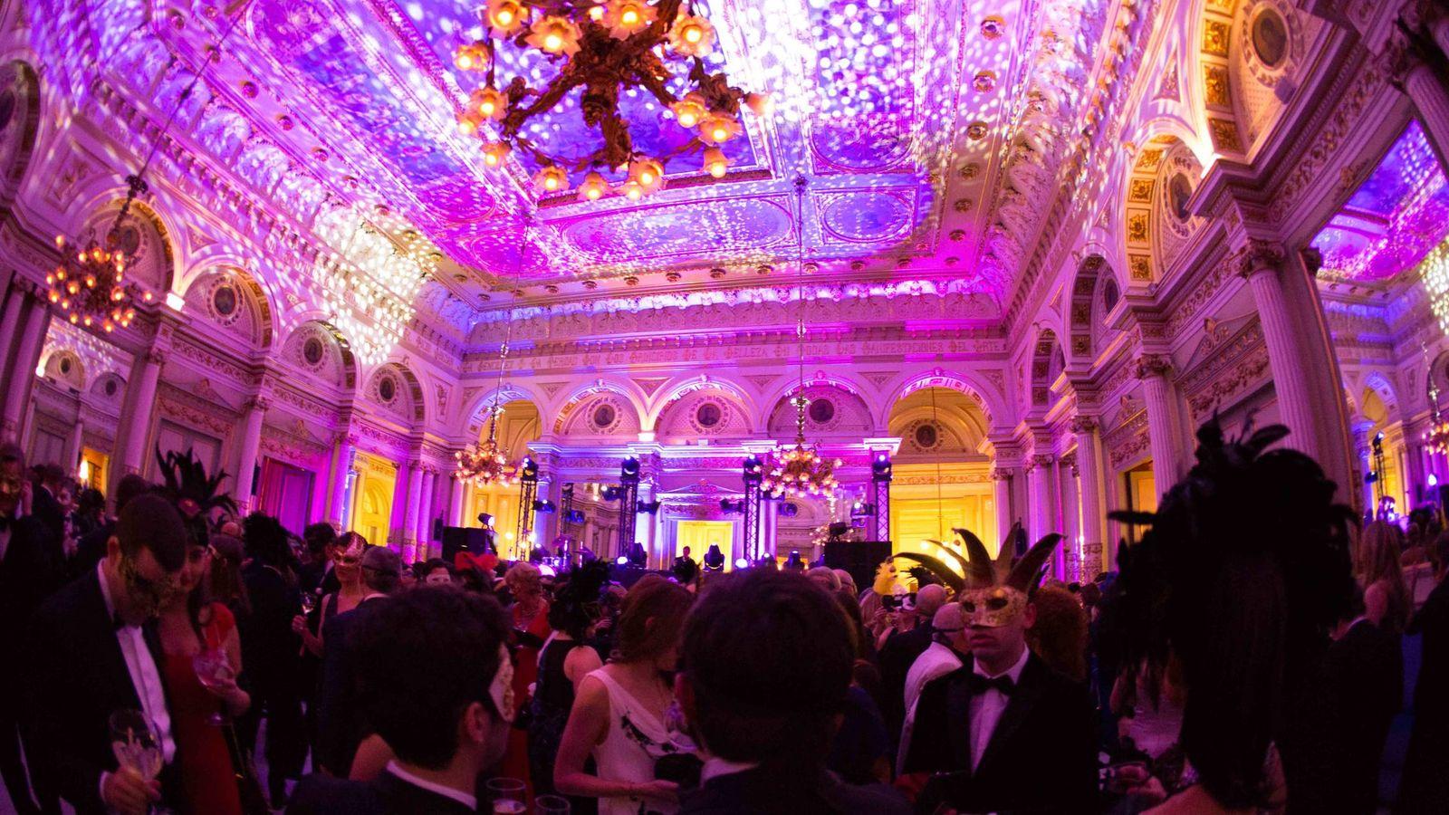 Fiestas: La fiesta más exclusiva de Barcelona: el Baile de Máscaras ...