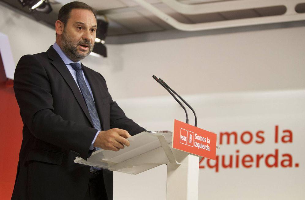Foto: El secretario de Organización del PSOE, José Luis Ábalos, este 10 de octubre en Ferraz. (Borja Puig | PSOE)