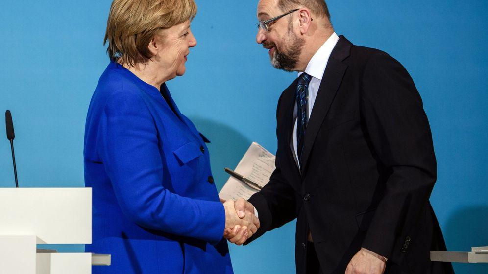 Foto: Merkel y Schulz escenifican su acuerdo en Berlín. (EFE)