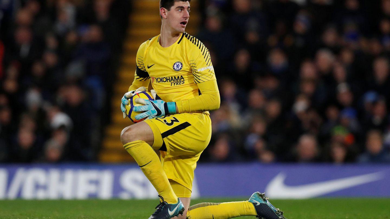 Thibaut Courtois quiere jugar en Madrid por cuestiones familiares. (Reuters)