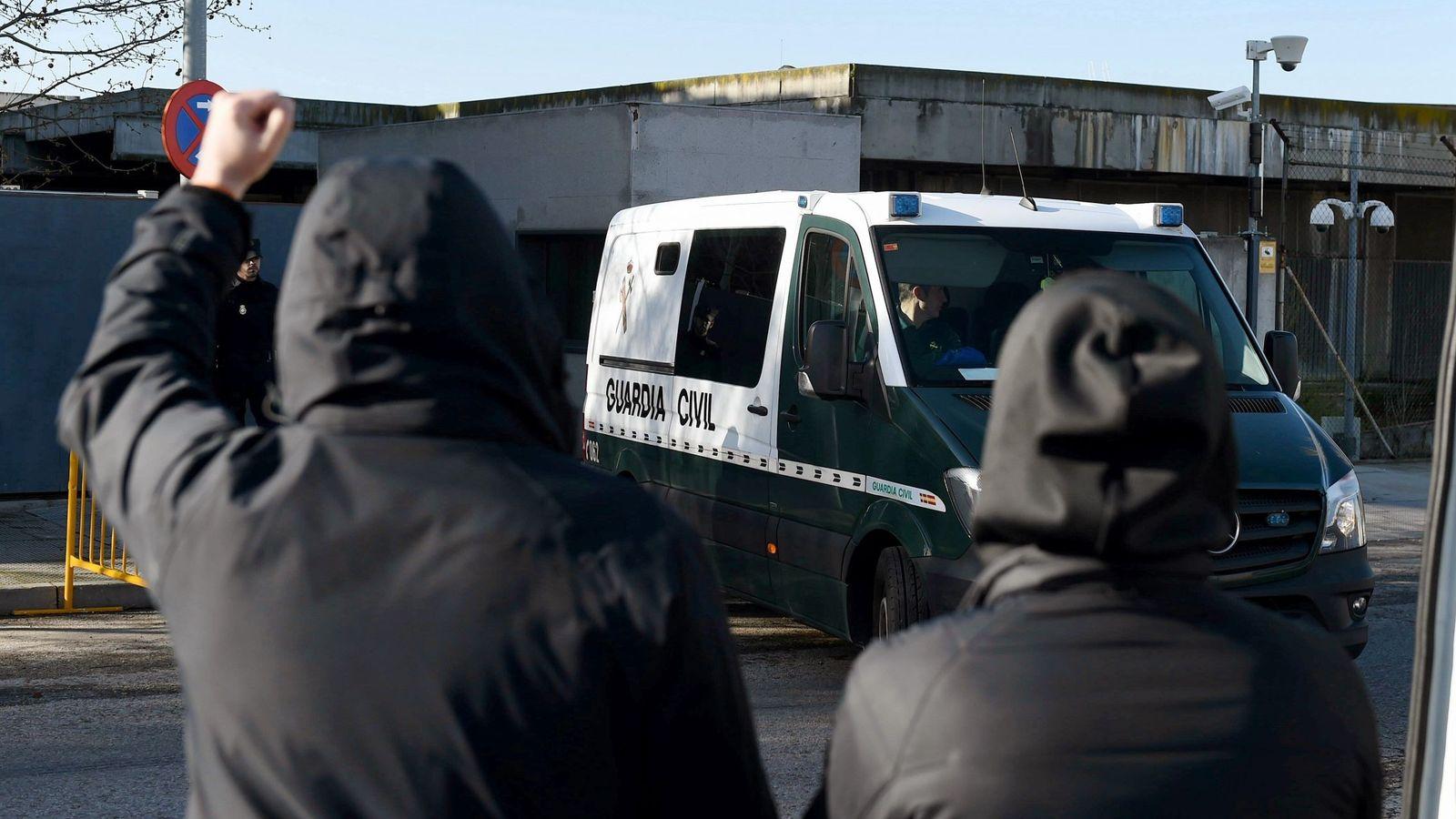 Foto: Los guardias civiles declaran en la segunda sesión del juicio de Alsasua. (EFE)