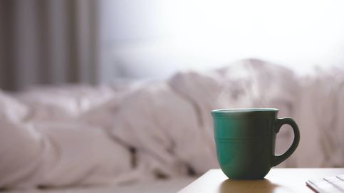 Siesta con café para rendir más en el trabajo, pero solo si lo haces así