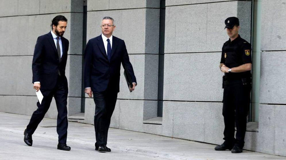Foto: Alberto Ruiz-Gallardon, a su llegada esta mañana en la Audiencia Nacional
