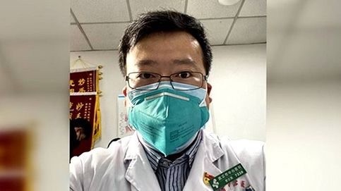 Muere el médico de Wuhan reprendido por la Policía china por alertar del coronavirus