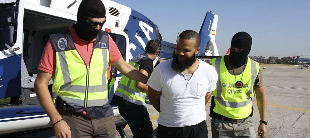 Foto: Detención en Melilla del presunto terrorista yihadista, Mohammed El Bali. (EFE)