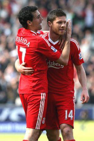 La prensa inglesa sitúa a Xabi Alonso y Arbeloa en el Madrid por 45 millones
