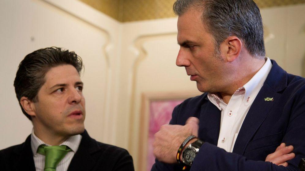 Foto: Javier Alcina, junto a Javier Ortega Smith. (EFE)