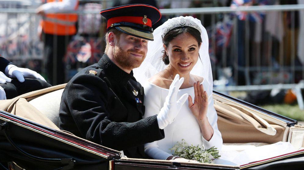 Foto: Harry y Meghan saludan el día de su boda. (Getty)