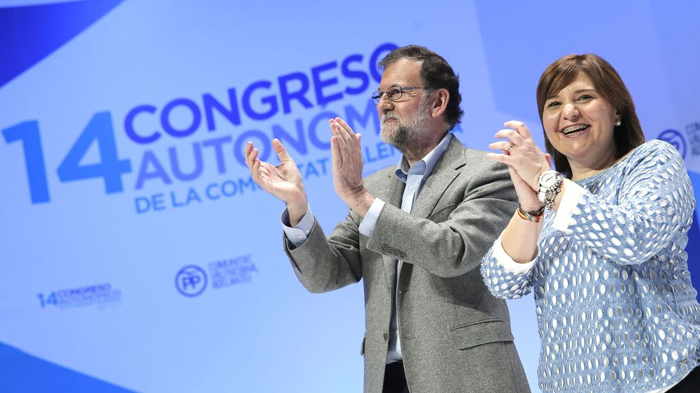 Foto: Rajoy y Bonig en la clausura del XIV Congreso del PPCV el pasado domingo. (EFE)
