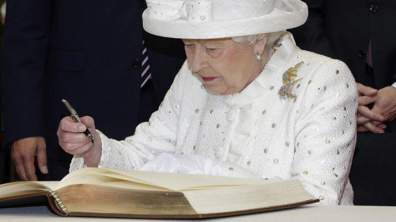 La reina Isabel II, en una imagen de archivo. (EFE)