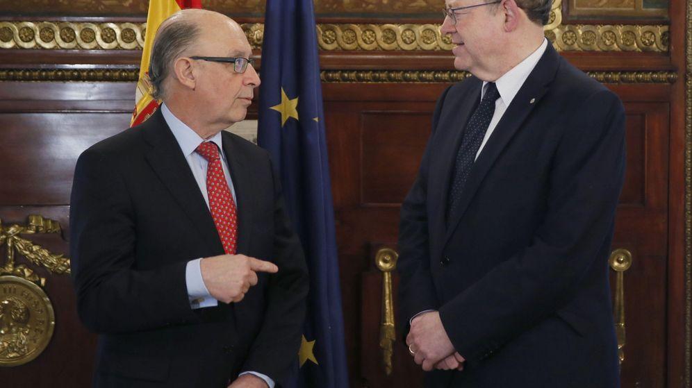 Foto: Montoro y Ximo Puig en su último encuentro, en marzo. (EFE)