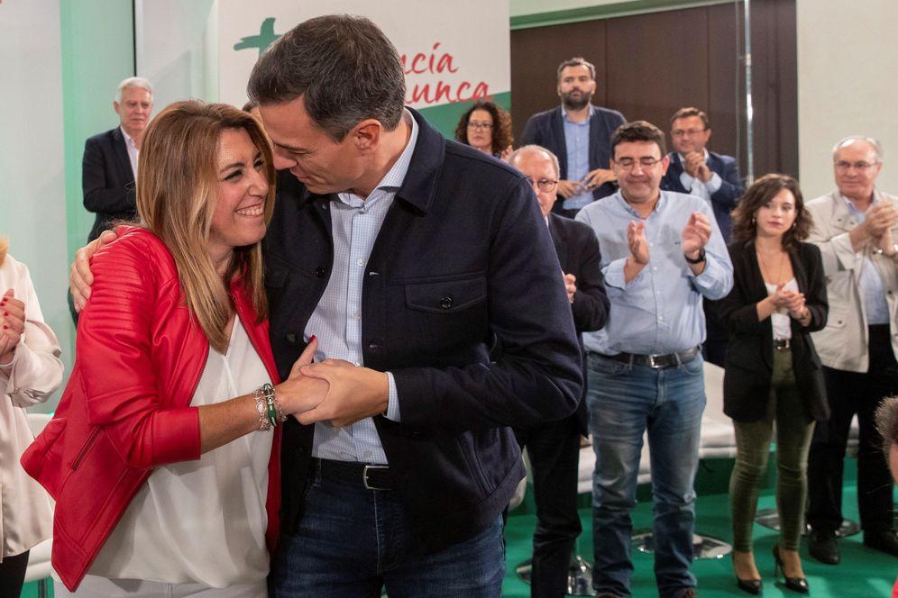 Foto: Pedro Sánchez y Susana Díaz, el pasado 20 de octubre en el comité director del PSOE andaluz, en Sevilla. (EFE)